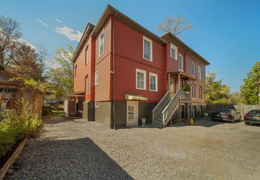 019-430-north-aurora-street-ithaca-apartment-1-022_m